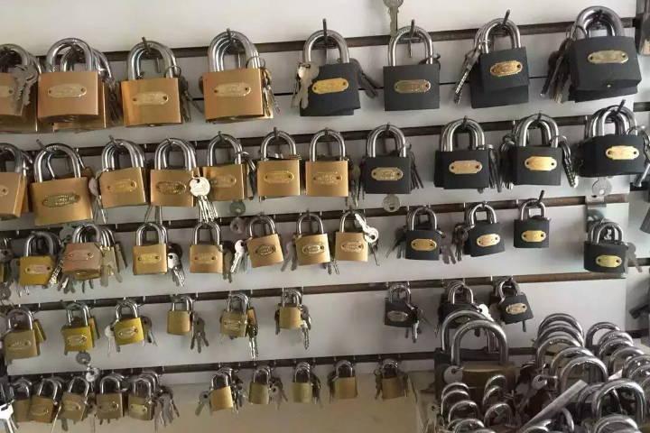 李文锁城锁具五金连锁超市宣传录音MP3